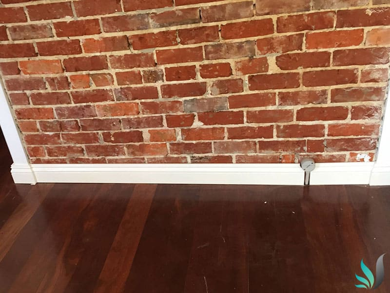 Custom Creations Perth WA brick feature wall and skirting boards